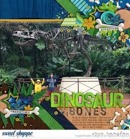030816dinosaurbones700babe.jpg
