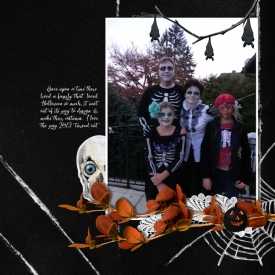 13oct31_Halloween_family.jpg